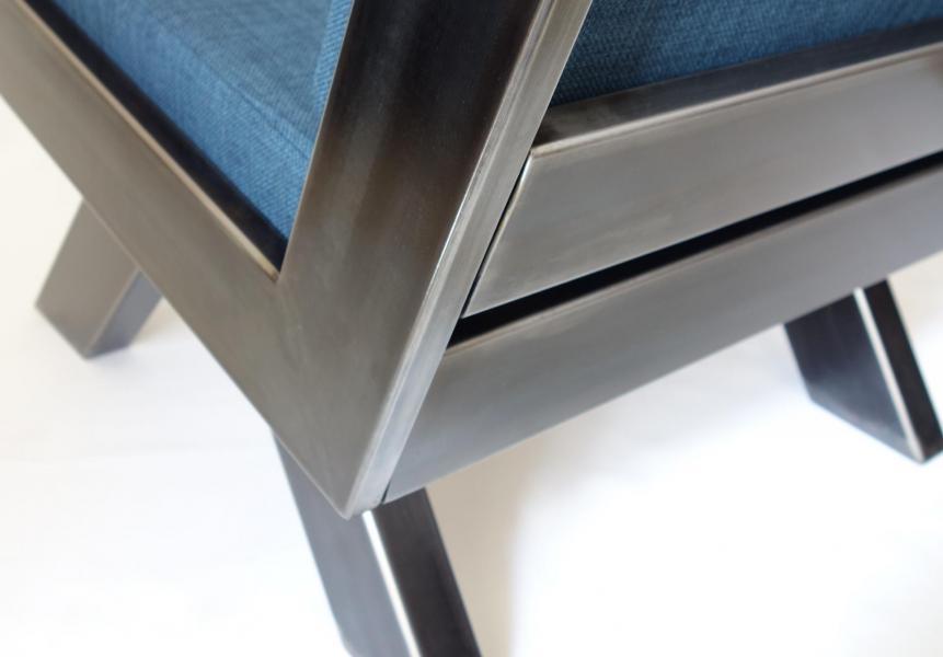 Cousu d'acier - Fauteuil Tubic détail